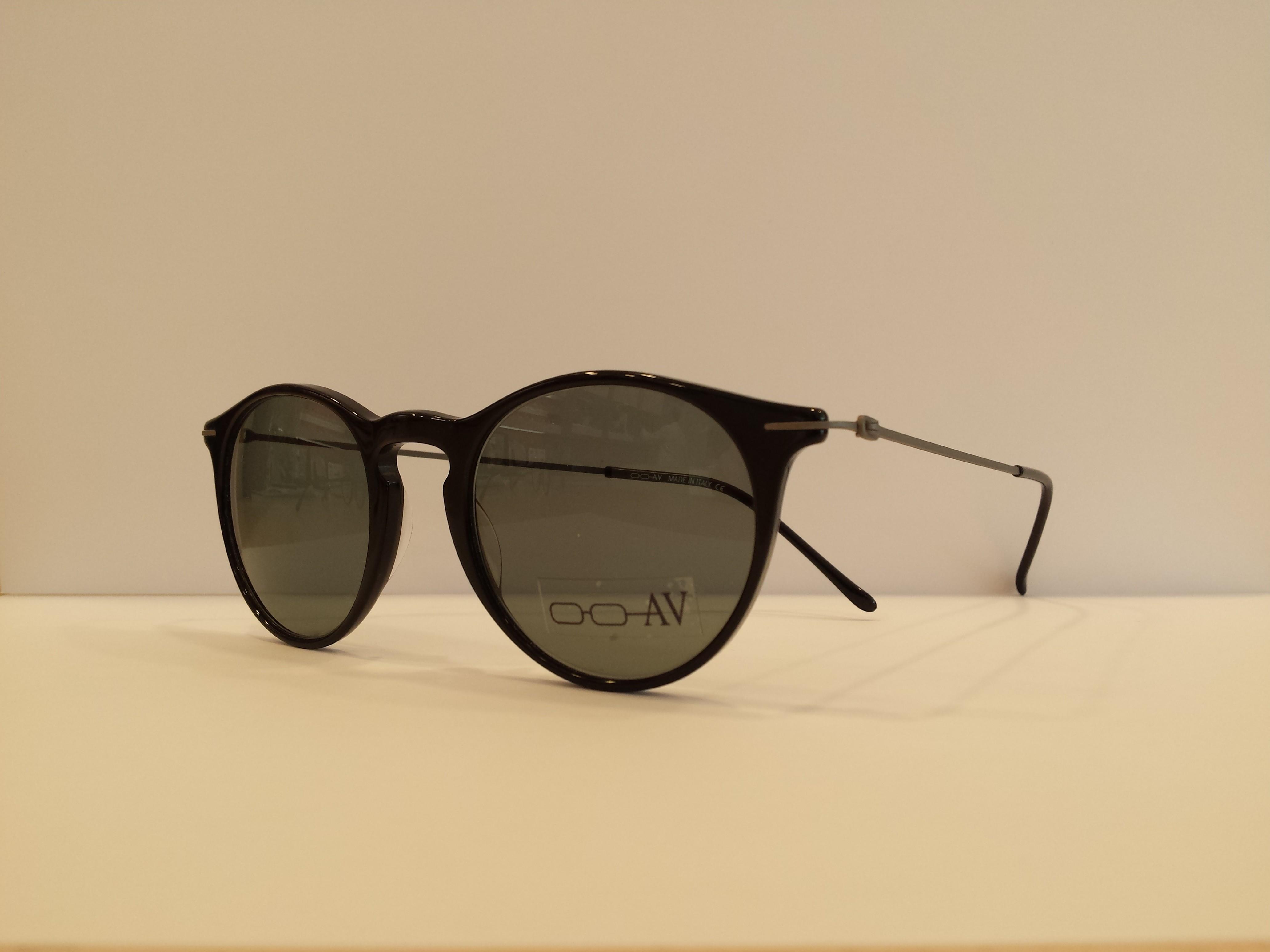 a6906283fa Vendita online occhiali da sole e occhiali da vista. AV Ottica ...